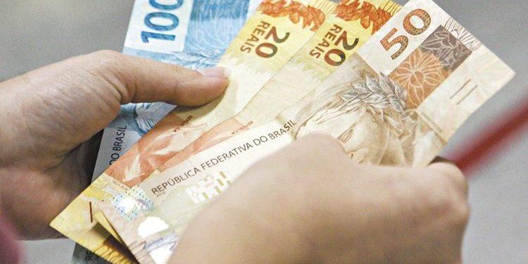 Conde antecipa primeira parcela do 13º de aposentados e pensionistas do IPAM