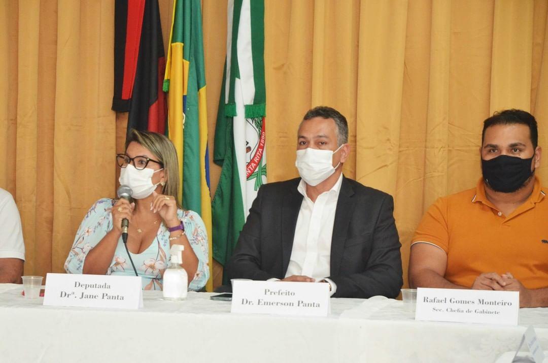 """Deputada Jane Panta ressalta ações da gestão de Santa Rita no planejamento do município para o futuro: """"Farão a diferença na vida do cidadão"""""""