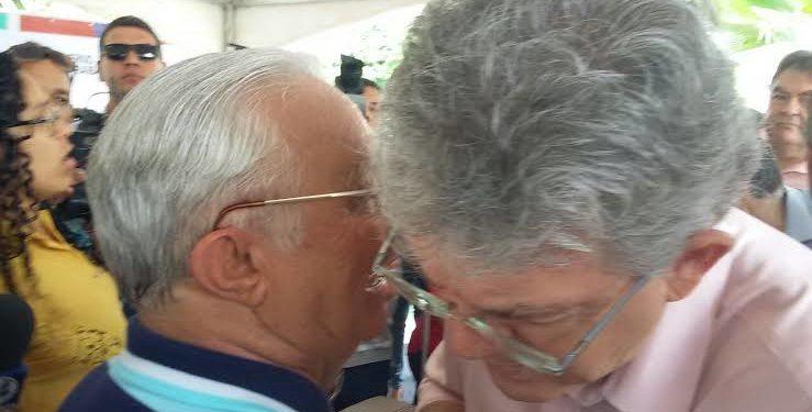 BAÚ DO NINJA relembra o dia em que Frei Anastácio defendeu Ricardo Coutinho como vice de Lula